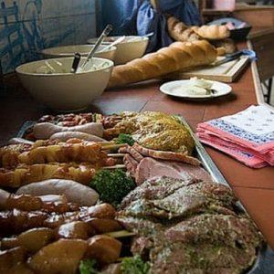 Boerenbarbecue bij Poldersport in De Kwakel. Een echte buitensport locatie